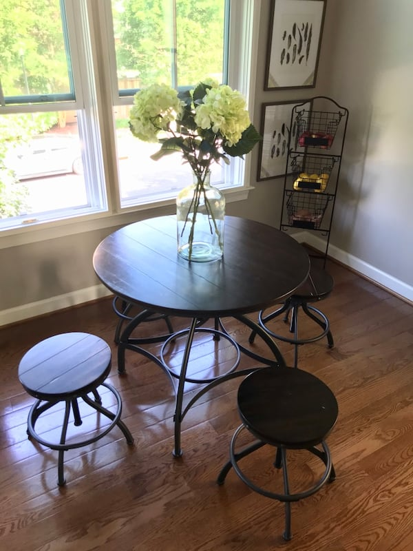 Industrial adjustable dining set 1
