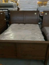 Queen platform bed Houston, 77018