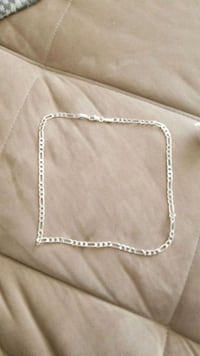 silver-colored chain necklace Hamilton, L8H 6P1