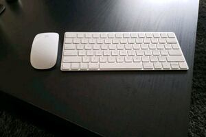 Recharable and Wireless Apple mouse and keyboard