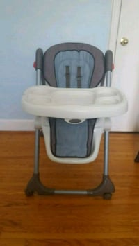baby's white and gray highchair Toronto, M1K 1J5
