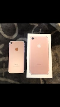 Rose gold iphone 7 with box unlocked  Montréal, H3S
