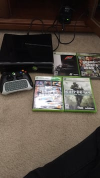 Xbox 360, Controler, Keybord, and 5 games!