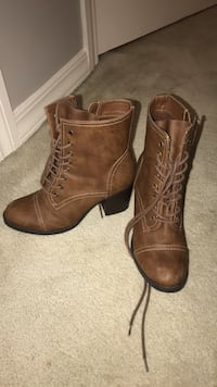 Pair of brown leather boots Jackson, 39211