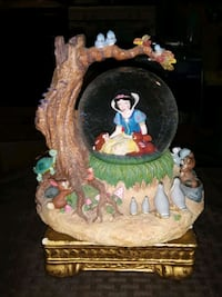 VINTAGE LARGE DISNEY'S SNOW WHITE IN THE FOREST WATER GLOBE BEAUTIFUL  Providence