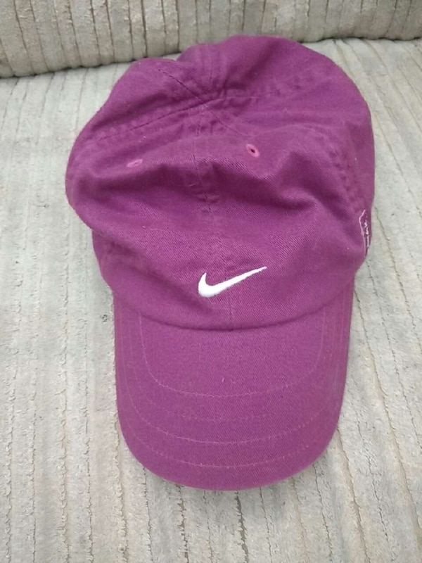Used purple nike fitted cap for sale in Sault Ste. Marie - letgo bfe56130cab
