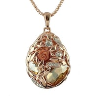 gold chain link necklace with pendant New York, 10020