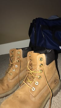 Authentic timberland boots..message with offers  Calgary, T3H 5T1