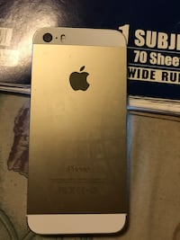 iPhone 5 32GB excellent condition, no cracks or scratches  and unlocked . Jacksonville, 32206
