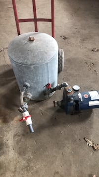 Water pump and pressure tank and very good condition best ofert