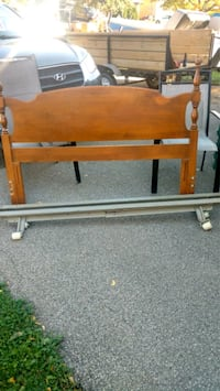 Queen Pine Headboard & Rails Thorold, L2V 4L3