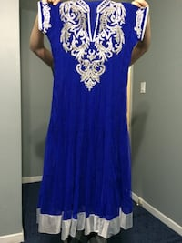 Blue and white floral sleeveless dress Mississauga