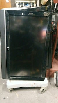 """LG 32"""" lcd tv great for kid or guest room.  New York, 10039"""