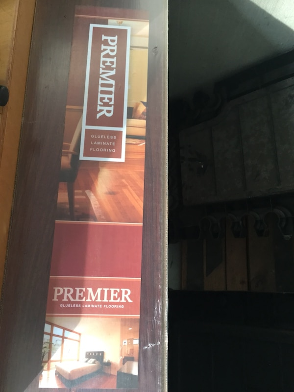 Used Premier Glueless Laminate Flooring For Sale In Chapel Hill Letgo