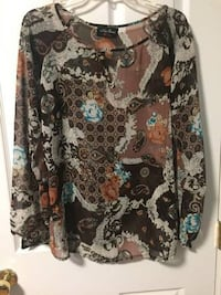 Women's blouse size Large New Westminster