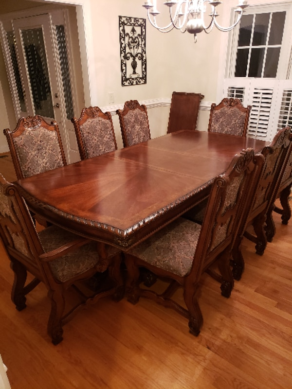 8 Chair Dining Room Table And Matching Buffet
