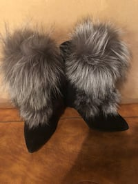 New real fur wedge booties size7 Calgary, T2X 0M7