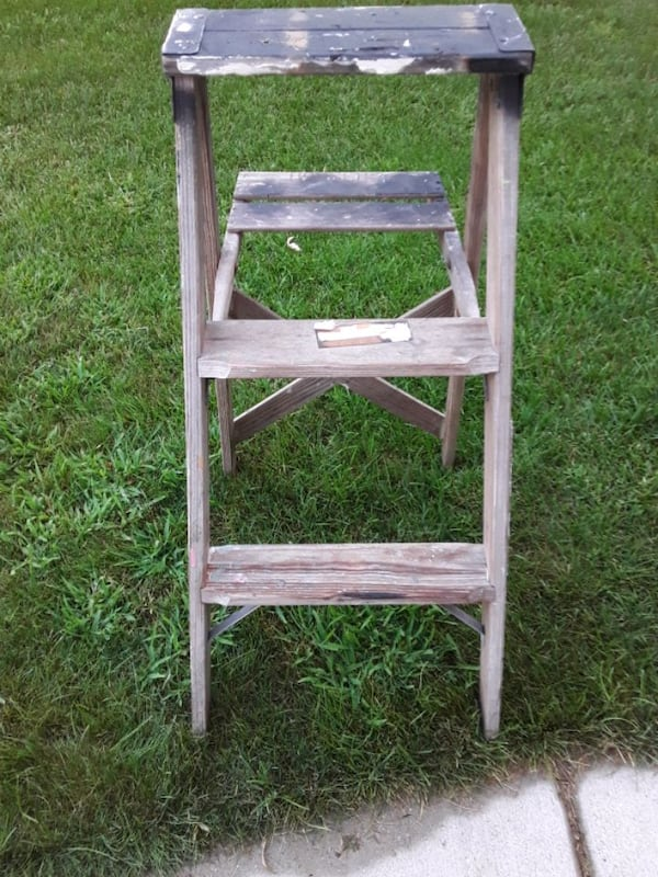 Two Wooden Vintage Ladders 7c097134-70a3-4021-9e5b-a6c71bd595f7