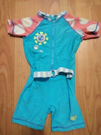 Swimming suit for 3-4 years old. Candiac, J5R 6R8