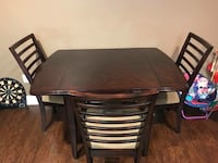 Raymour & Flanigan table and 3 chairs Point Pleasant, 08742