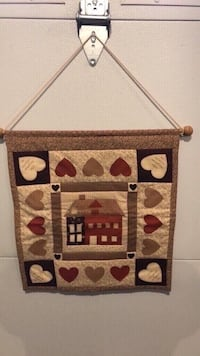 "QUILTED HANDMADE SCROLL 16""x18"" Hanover, 21076"