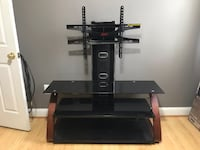 Black glass tv stand with mount, Good condition Alexandria, 22303