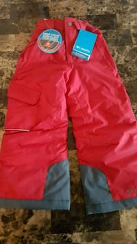 Snow pants - size 4/5t - will fit a 3 y/o kid  Toronto, M1T