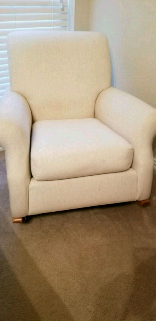Etonnant Pottery Barn Lullaby White Fabric Rocking Chair