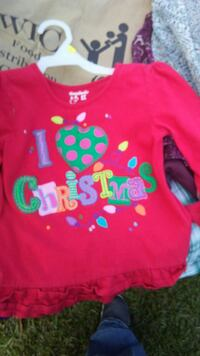 toddler's pink and multicolored i Love Christmas printed crew-neck top