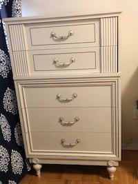 White wooden 5 drawer chest Toronto, M3C 1R7