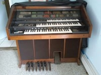 yamaha electric organ with music bench Patchogue, 11772