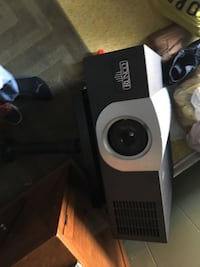 Proyector with everything very nice $ [TL_HIDDEN] 03  Windsor Mill, 21244