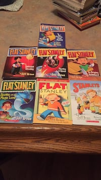 7 EUC flat Stanley chapter books Mississauga, L5E 2N3
