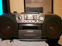Cd player with AM And FM Boom Box London, N5W 4Y9