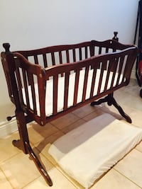 Solid wood baby bassinet