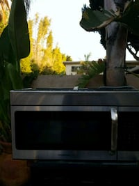 Frigidaire microwave over the stove Los Angeles, 91401