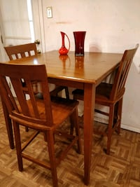 Nice solid wood dining table with 3 chairs in good Annandale, 22003