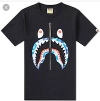 Brand new ds A bathing ape camo shark face tee (navy) size small  Toronto, M5T 1V2