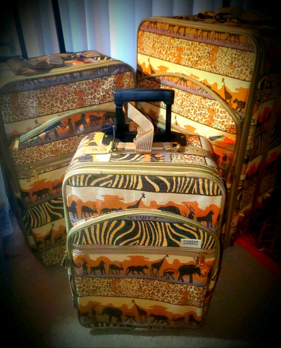 Photo New-Never Used* VINTAGE PIONEER ZEBRA PRINT TAPESTRY SUITCASE MATCHING