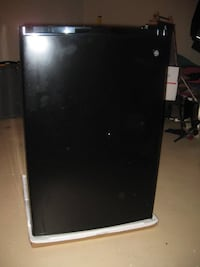 GE Black Mini-Fridge Kingsport