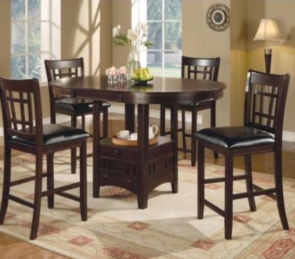 4 seat kitchen table with storage 6 months old! b15695b8-ef40-40dc-8c0b-c89ceb379e38