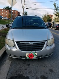 Chrysler - Town and Country - 2005 Hyattsville, 20783