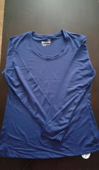 blue crew-neck long-sleeved shirt
