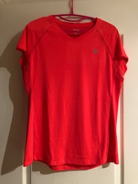 Active tshirt never worn fluo size L Laval, H7S 1Y3