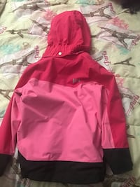 Girls size 5 Helly Hansen jacket used but still looks new New Carrollton, 20784