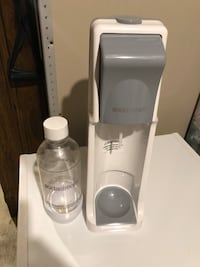 Sodastream Machine + Bottle Vaughan, L4L 9J6