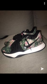 Kyrie Low 'Floral' size 12 Whitby