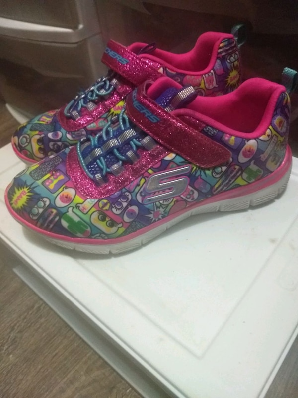 Obo Girls shoes size 13-1 1