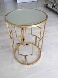 Chic Gold Mirrored Side table Los Angeles, 90025
