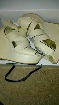 white leather peep-toe wedge sandals with box Fresno, 93728